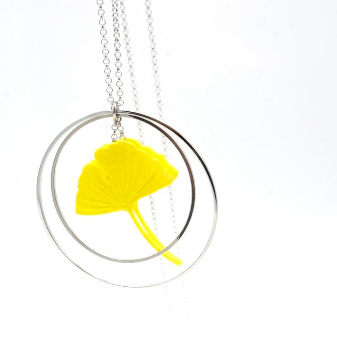 Sautoir Collier ginkgo jaune créole argentée