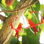 Boucle d'oreille créole dorée perroquet mandarine jaune