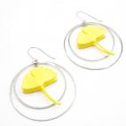 Boucles d'oreilles ginkgo jaune créoles argentées