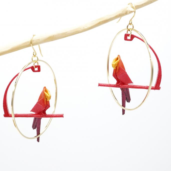 Boucle d'oreille créole dorée perroquet ROUGE