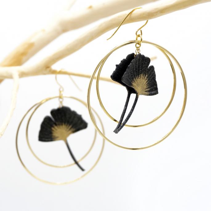 Boucles d'oreilles ginkgo NOIR créoles dorées taille L