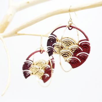 boucles d'oreilles vague japonaise rouge/bordeaux feuille dorée