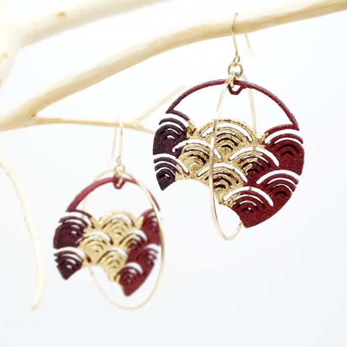 boucles d'oreilles vague japonaise bordeaux feuille dorée